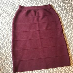Burgundy body-con skirt
